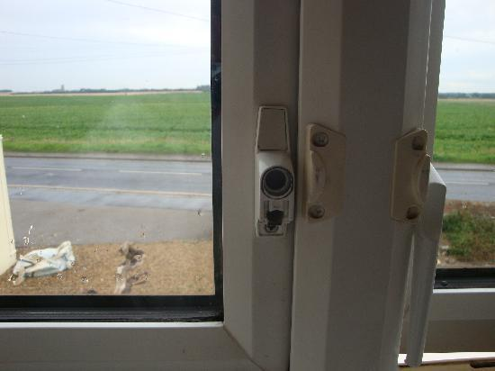 The Keswick: broken window latch