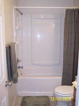 Sulphur Choice Suites: Bathroom