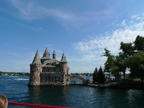 Thousand Islands: The castle