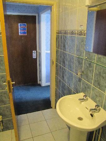 Bancourt Hotel : Bathroom