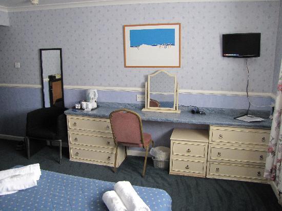 Bancourt Hotel: Room