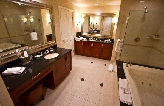 Signature at MGM Grand  bathroom in one bedroom suite. bathroom in one bedroom suite   Picture of Signature at MGM Grand