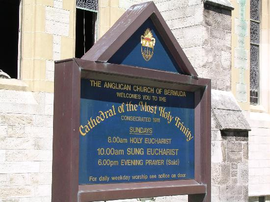 Hamilton, Bermuda: Sign at the Trinity Cathedral