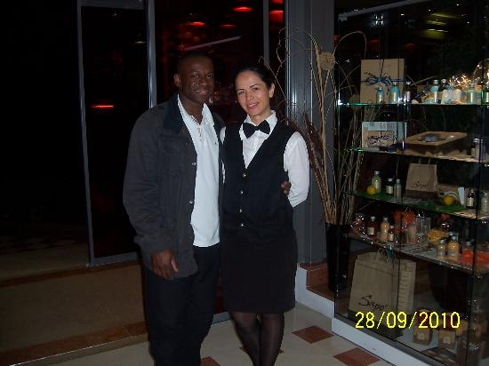 Hotel Adlon: friendly bar staff, Eleanor