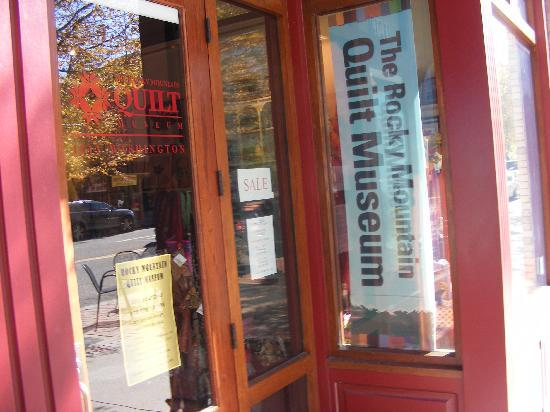 Rocky Mountain Quilt Museum: Entrance to quilt museum