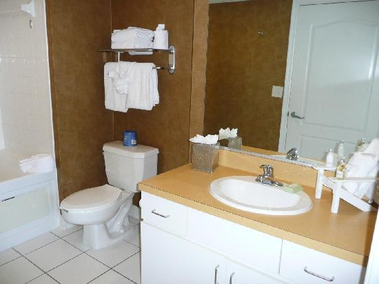 Large Bathroom With Jacuzzi Tub Picture Of Boardwalk Resort Hotel And Villas Virginia Beach