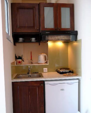 Corali Studios: kitchenette