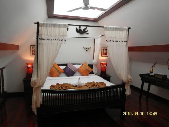 Royal Phawadee Village : our room upstairs