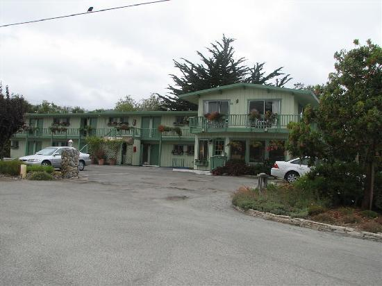 Carmel River Inn: the hotel part