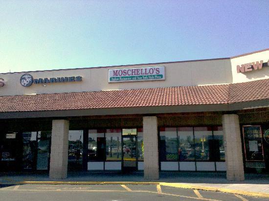Moschello's Italian Restaurant and New York Style Pizza : Front entrance in a strip shopping center