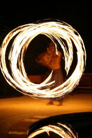 Ko Jum, Thailand: fire dancing at night