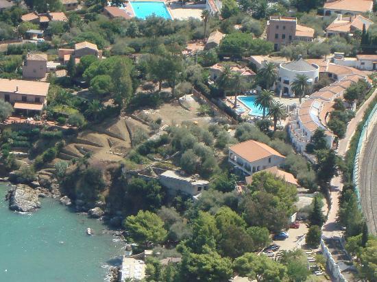 Hotel Le Calette: Vista hotel dall'alto della Rocca