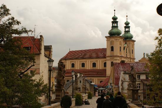 Glatz (Kłodzko), Polen: View of the bridge and church in Klodzko