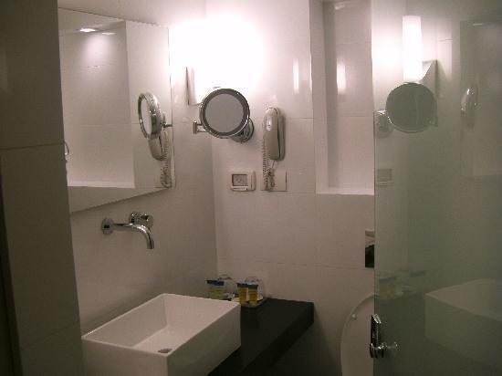 Leonardo Art Tel Aviv: New decorated bathroom