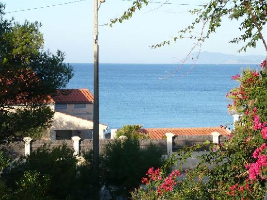 Hotel Port Helene : Vue du balcon