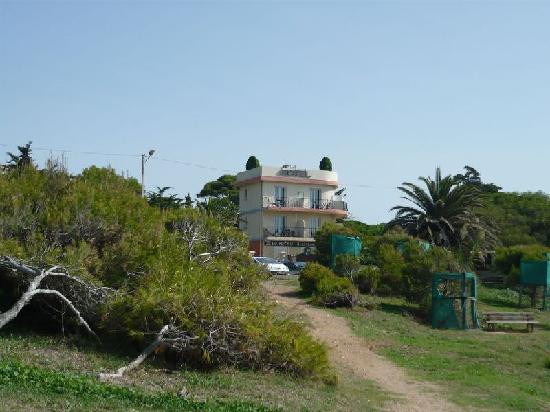 Hotel Port Helene: Vue depuis l'accès à la plage