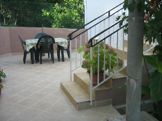 Apartments Neno: garden