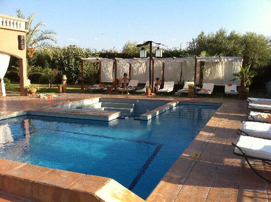 Villa Tata Marie : piscine magnifique