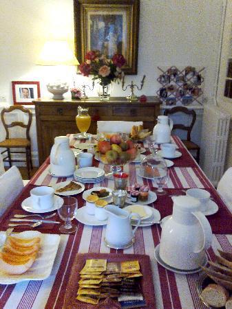 Clos de Bellefontaine: breakfast