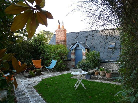La Reyniere : Entrée 2e chambre avec petit jardin