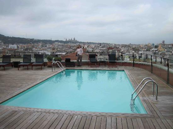piscine sur le toit picture of hotel 1898 barcelona tripadvisor. Black Bedroom Furniture Sets. Home Design Ideas