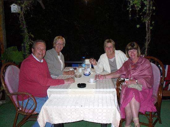 Gul Restaurant: Friends we met
