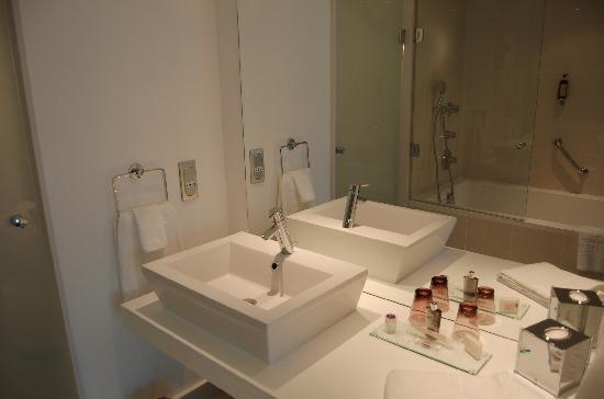 Hôtel Barrière Lille: salle de bain