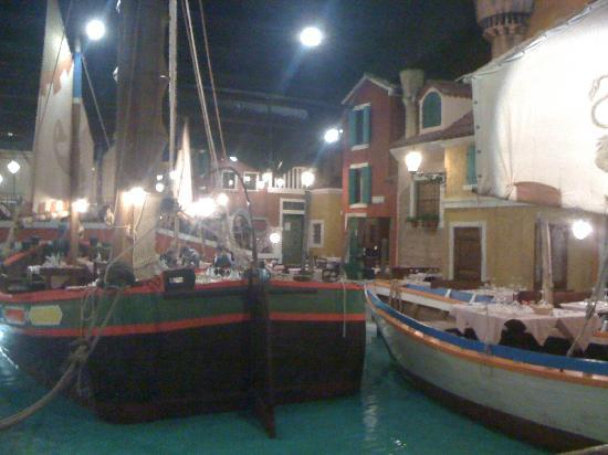 El Venexian: Il locale visto dall'ingresso