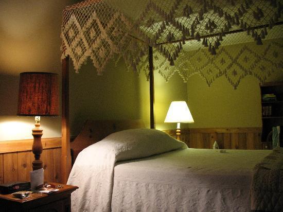 Inn at Narrow Passage: Lovely room
