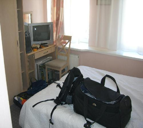 Villa Joma Hotel: Very small room
