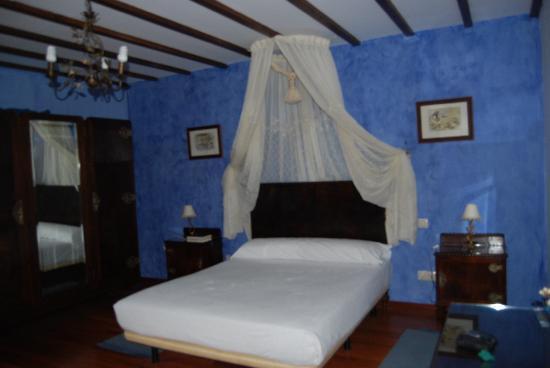 Hotel Rural Alfoz de Rondiella: Habitación inglesa
