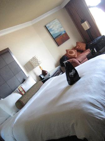 The Waterfront Beach Resort, A Hilton Hotel: Room #917