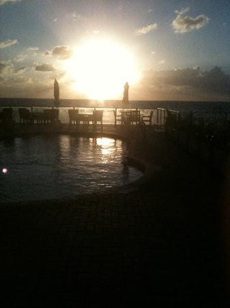 Palm Beach Oceanfront Inn: view from the pool deck part