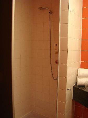 B&B Hotel Koblenz: Dusche