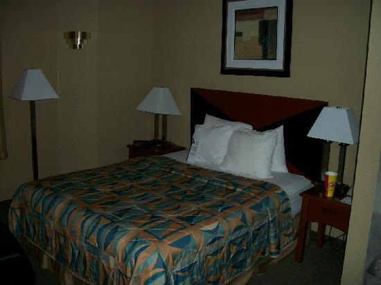 Sleep Inn Airport Kansas City: Bed