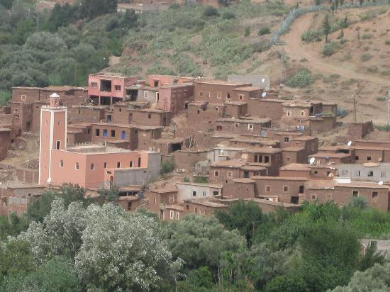 Kasbah Bab Ourika : Nearby Berber village