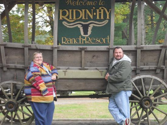 Ridin-Hy Ranch Resort: The welcome wagon