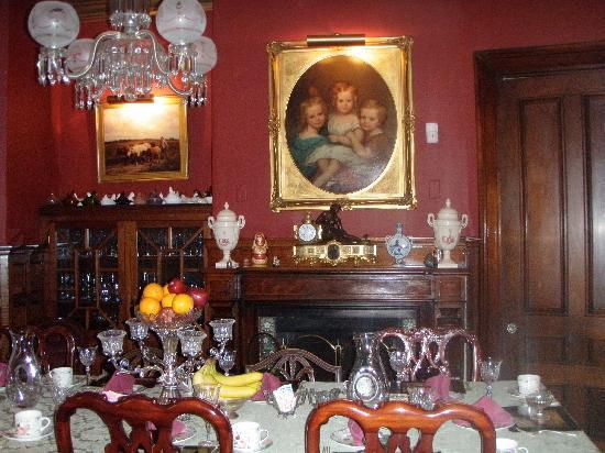 Sarah Kendall House: dining room