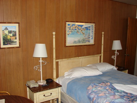 Sea breeze motel updated 2017 reviews price comparison for The family room pacifica