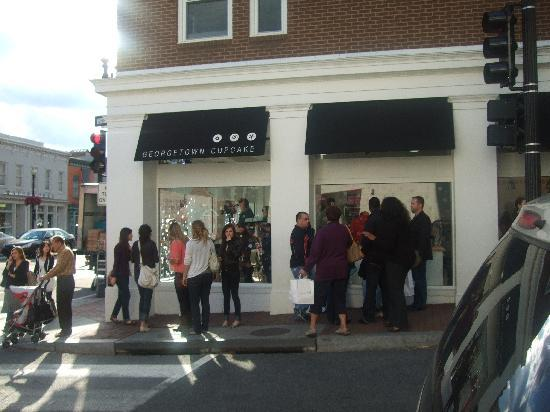 Alexandria, VA: looking at people waiting in a hour line for a cupcake