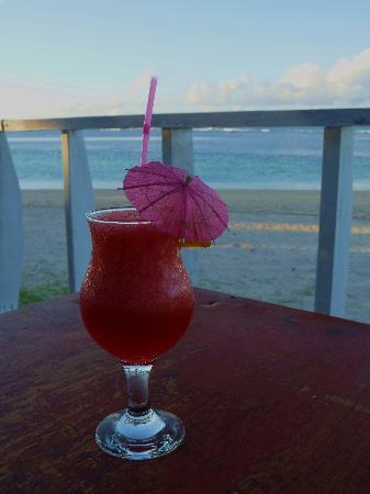 Janes Beach Fales: Cheers!