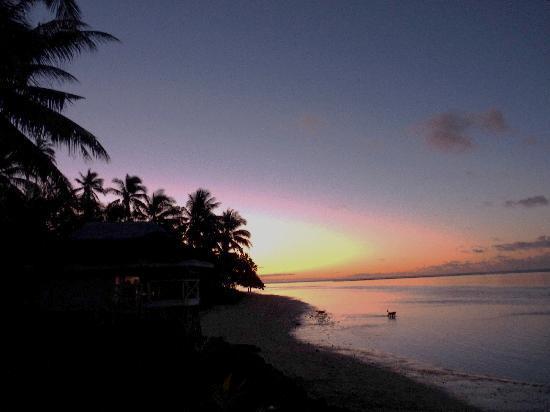 Janes Beach Fales: Beautiful sunset