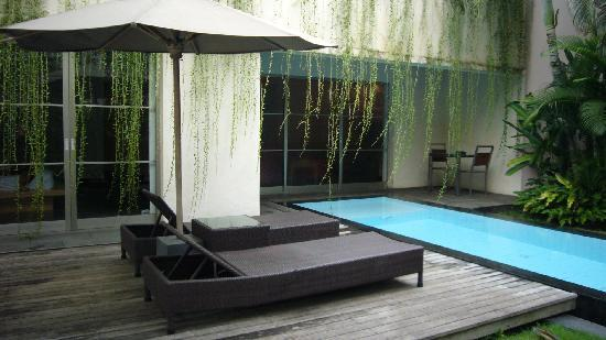 Bali Island Villas & Spa: Out door pool