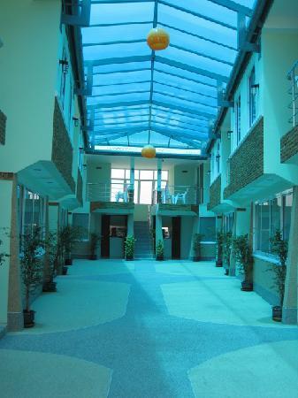 Fah Thai Villa: meet your friends in our atrium