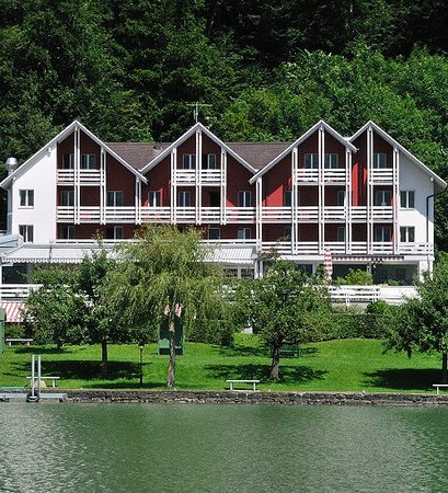 Parkhotel Waldheim, situated between a private garden and a private forest