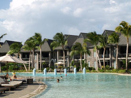 family pool picture of intercontinental fiji golf resort. Black Bedroom Furniture Sets. Home Design Ideas
