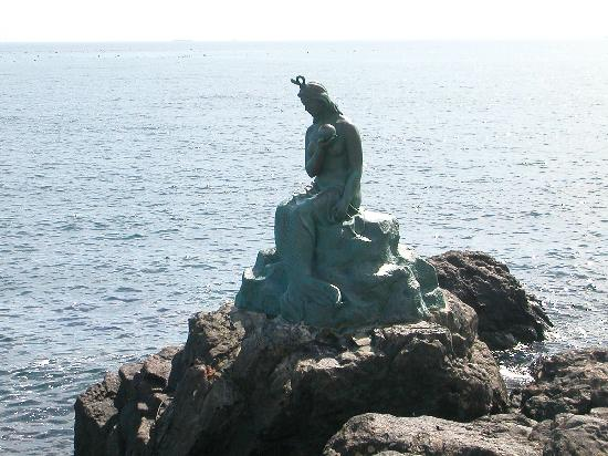 Haeundae Beach: 人魚姫