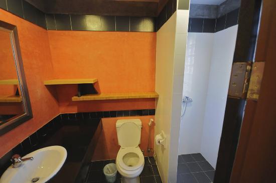 พีพี อินซูล่า: Bathroom