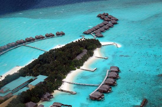Veligandu Island Resort & Spa : Aerial View of Island