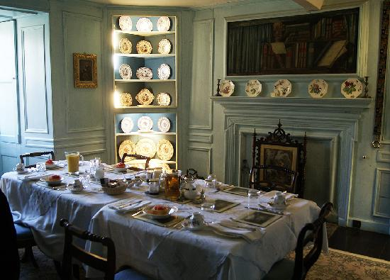 Innerleithen, UK: Breakfast setting at Traquair House